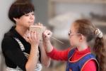 Neregių vaikų ir Nomedos Marčėnaitės kuriamos skulptūros – skirtos liesti