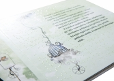 """Leonardo Da Vinči pasakų knyga """"Sparnuotosios raidės"""" reginčiųjų ir Brailio raštu"""